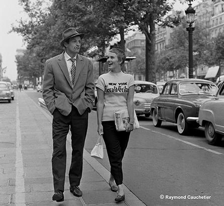 , 'Jean-Paul Belmondo et Jean Seberg , «A bout de Souffle» de Jean-Luc Godard - photo hors film, Descente des Champs Elysées, Paris, ,' 1959, Boogie Woogie Photography