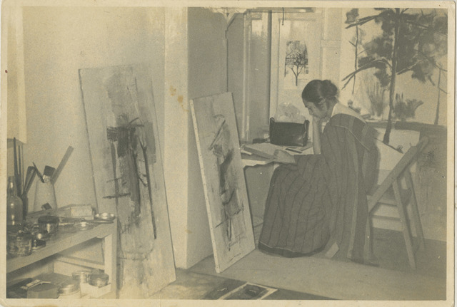 , 'Nasreen at her studio in Bombay at the Bhulabhai Desai Institute,' 1960, Tate Liverpool