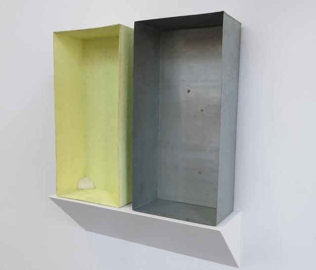 , 'Mit Schwefel überzogene Zinkkiste (tamponierte Ecke),' 1970, Galerie Thomas