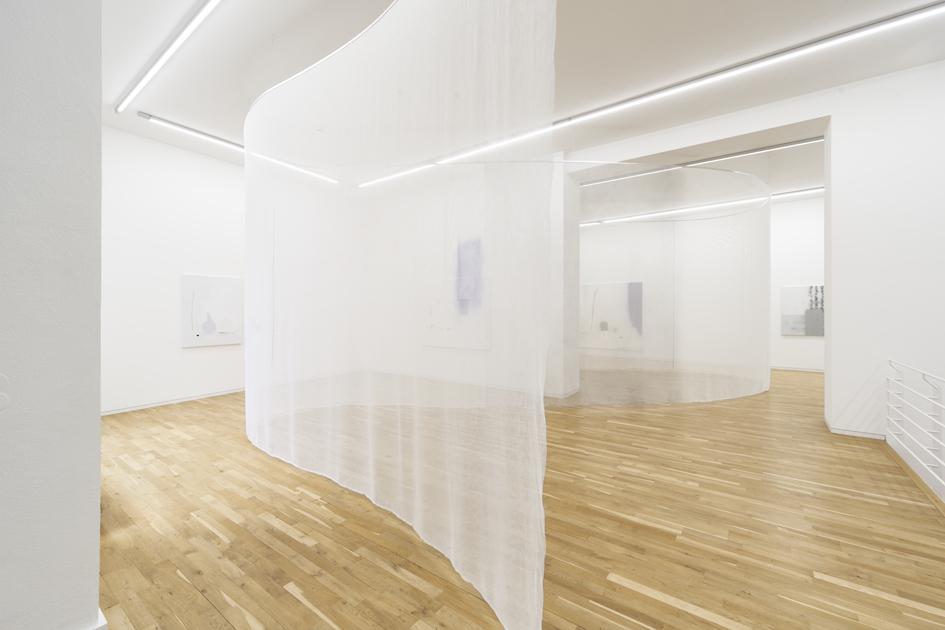 Julius Heinemann – Double Exposure, exhibition view, Jahn und Jahn, 2018
