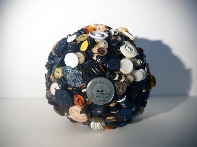 , 'Les boutons de tout le monde (1),' 2016, Galerie Geraldine Banier