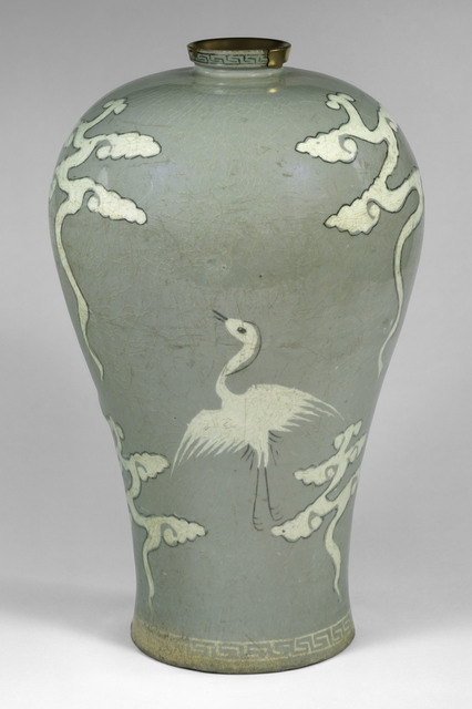 , 'Maebyeong with decoration of cranes and clouds,' Late 13th century, The Metropolitan Museum of Art