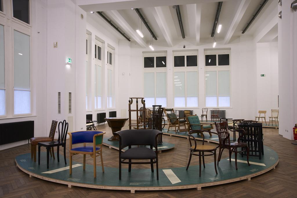 MAK Exhibition View, 2019 BENTWOOD AND BEYOND Thonet and Modern Furniture Design  MAK Exhibition Hall © MAK/Georg Mayer