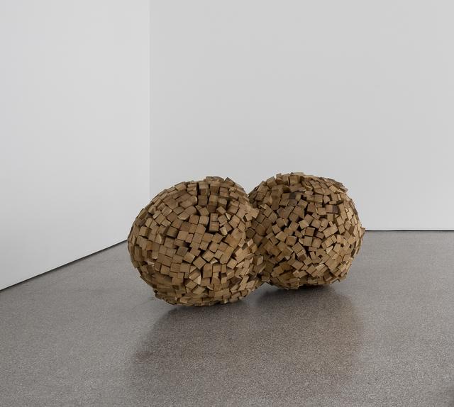 , 'Deux soleils, en force,' 2004, Galerie Greta Meert