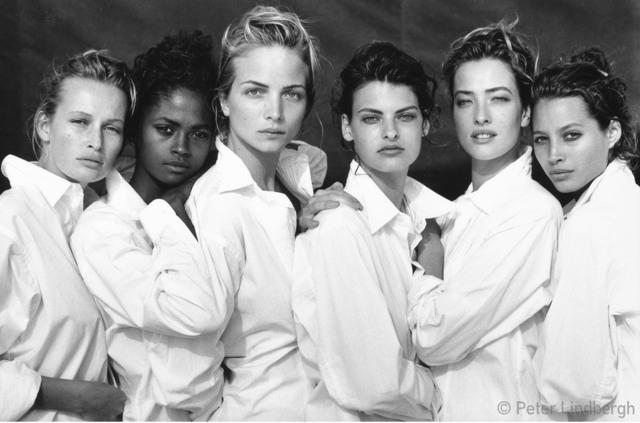 Peter Lindbergh, 'ESTELLE LEFEBURE, KAREN ALEXANDER, RACHEL WILLIAMS,  LINDA EVANGELISTA, TATJANA PATITZ, CHRISTY TURLINGTON,  SANTA MONICA, CALIFORNIA, USA, 1988', 1988, Gagosian