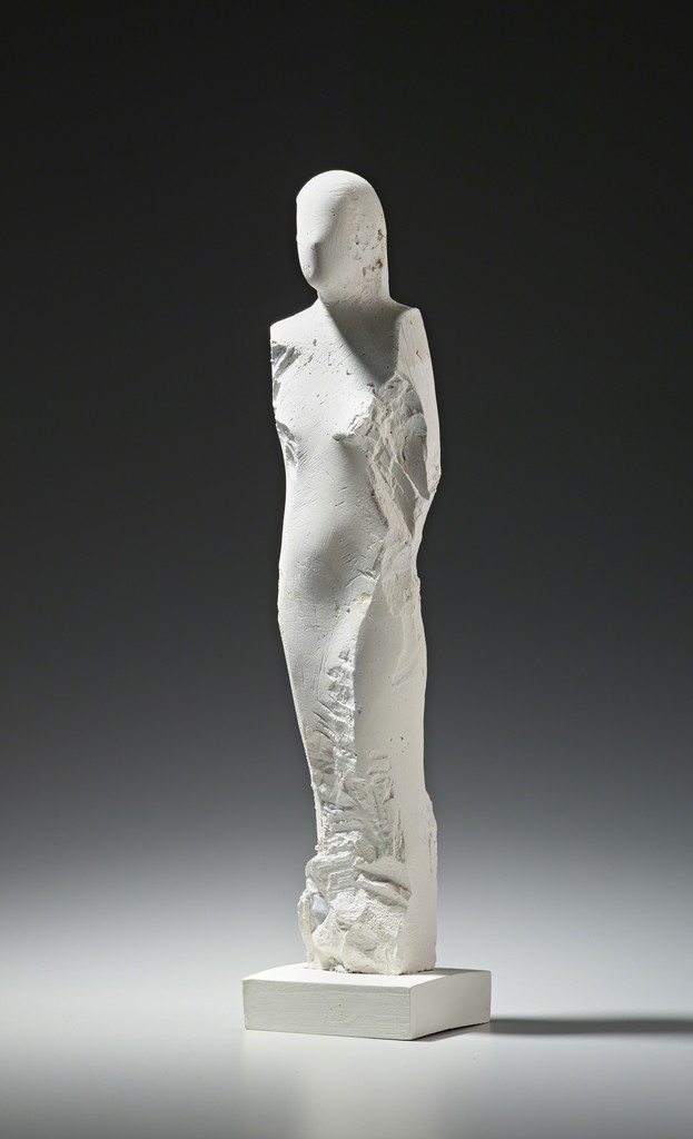 Manuel Neri, Ostrakon Plaster Maquette No. 4, 1998. Plaster with water-based pigment. Yale University Art Gallery, Gift of The Manuel Neri Trust. © The Manuel Neri Trust