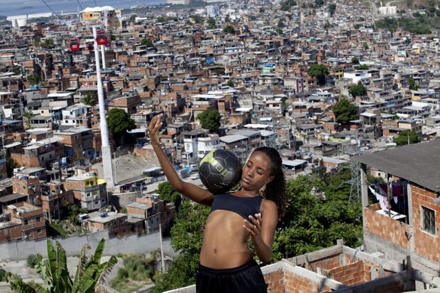 , ' Karen Prado, player for the women's soccer team for Complexo do Alemão,' 2014, Museu de Arte do Rio (MAR)