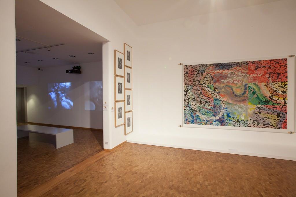 Installation view, Alibis: Sigmar Polke. Retrospective. Menschenschlange, 1972–1974/76. © The Estate of Sigmar Polke / VG Bild-Kunst, Bonn, 2015. Foto: Rheinisches Bildarchiv, Köln, Alina Cürten
