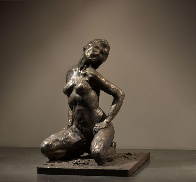 , 'Kneeling Woman,' 2012, Galerie de Bellefeuille