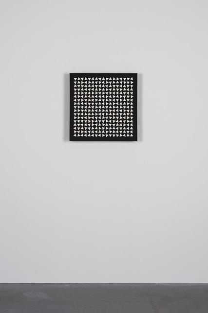 , '29/425 Weisse Dreiecke auf schwarz,' 1962, von Bartha