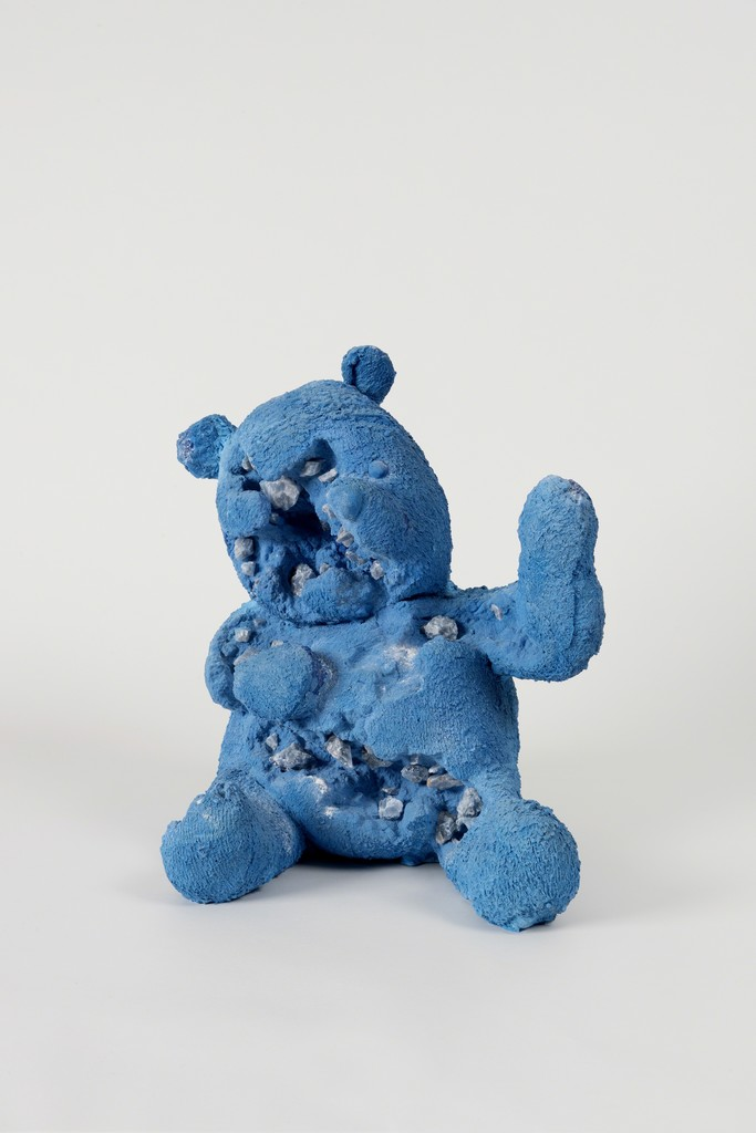 Daniel ARSHAM Blue Calcite Eroded Bear, 2017    Blue calcite, hydrostone  48.3 × 48.3 × 43.2 cm / 19 × 19 × 17 in © Photo: GUILLAUME ZICCARELLI Courtesy the artist & Perrotin