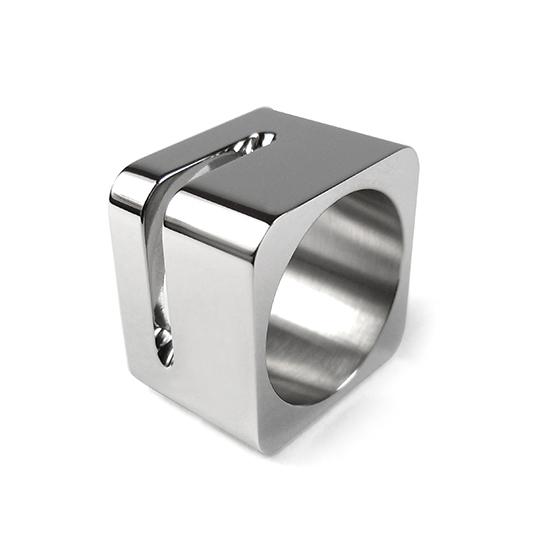 , 'IR-6L ring,' , Iker Ortiz