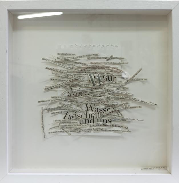 """, '""""Mali"""" - Zerschnittener Zeitungsartikel auf Papier in Holzbox,' 2015, Galerie Brigitte Schenk"""