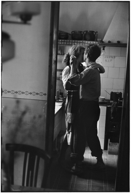 , '2. Spain. Valencia. (Dancing couple),' 1952, f22 foto space