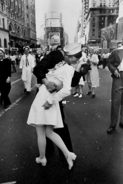 Alfred Eisenstaedt, 'VJ Day, Times Square', 1945, Photography, Gelatin Silver Print, GALLERY M