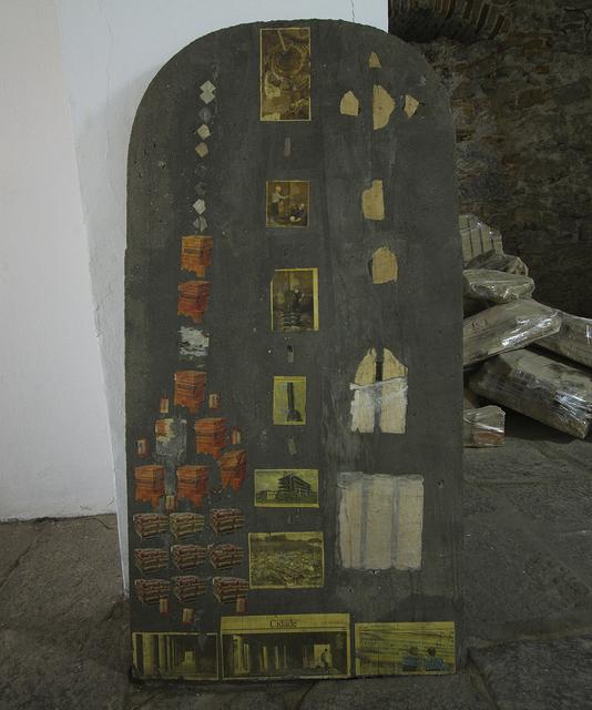 , 'Estela #01 (pilhas) / (batteries),' 2012, Progetti