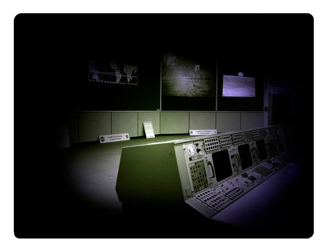, 'Galactica NASA - Apollo Control Mission I,' 2009-2010, Pasto
