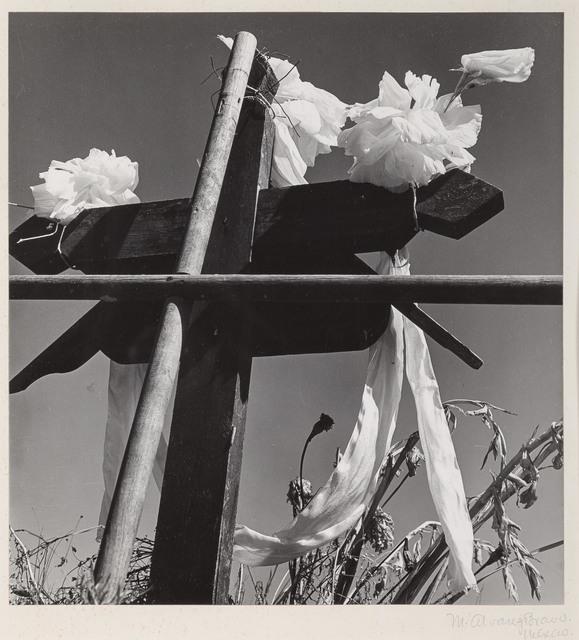 Manuel Álvarez Bravo, '[Adorno de Tumba]', 1971, Photography, Gelatin silver print (likely vintage), Doyle
