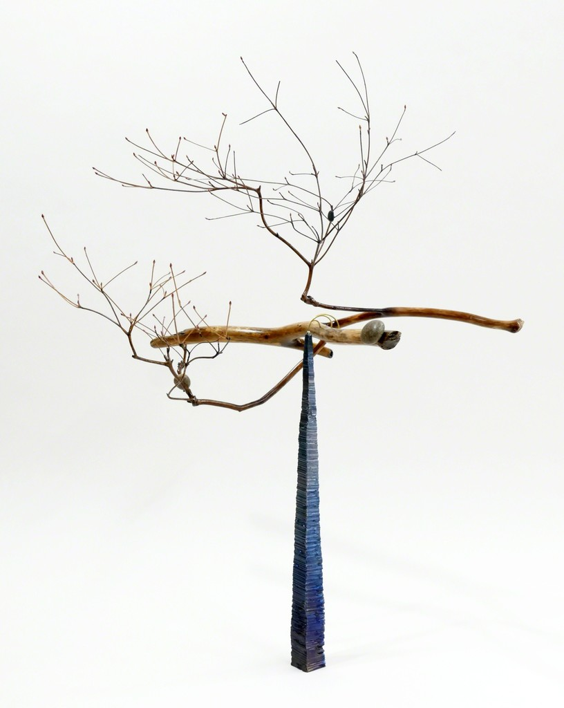 "Yoichi Takada ""Floating wood Ⅲ"" 2016 2016 driftwood, enkianthus, pebble, iron, marble, brass, lead H61xW44.5xD45.5cm"