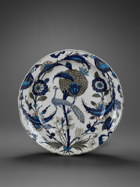 'Plat au paon (Plate with peacock)', 16th century, Musée du Louvre