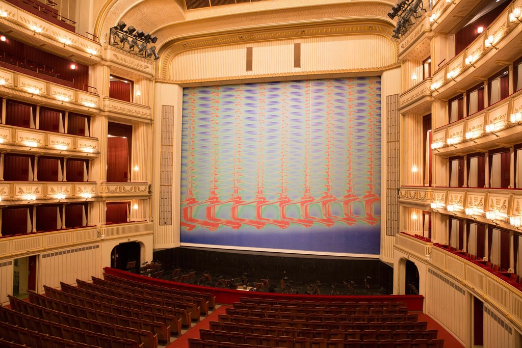 Tauba Auerbach, A Flexible Fabric of Inflexible Parts III, Safety Curtain 2016/2017, Vienna State Opera, Copyright: museum in progress (www.mip.at), Photo: Andreas Scheiblecker