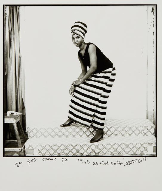 Malick Sidibé, 'Je pose comme ça, 1969', 2014, Phillips