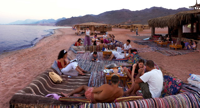 , 'Smoking, Sinai,' 2004, Meislin Projects