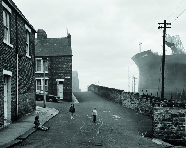 , 'Housing and Shipyard, Wallsend, Tyneside,' 1975, Galerie f5,6