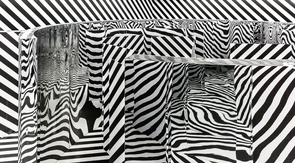 "View of Julio Le Parc's solo exhibition ""LIGHT - MIRROR"" at Perrotin Hong Kong, 2019. Photo Ringo Cheung. ©Julio Le Parc _ ADAGP, Paris & SACK, Seoul 2019. Courtesy Perrotin"
