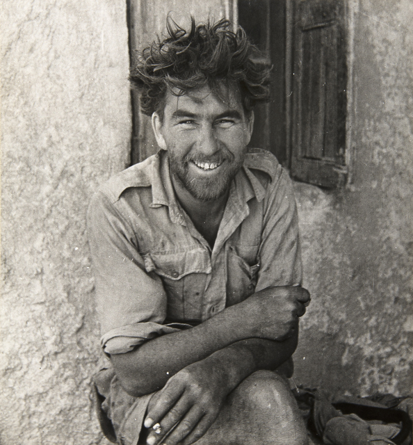 , 'A MEMBER OF Y-PATROL OF THE LONG-RANGE DESERT GROUP, SIWA OASIS, WESTERN DESERT, EGYPT,' 1942, Huxley-Parlour