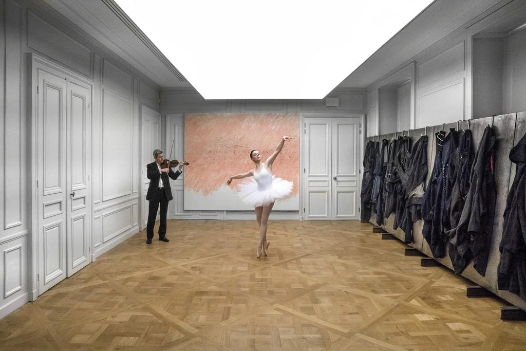 Installation view of Jannis Kounellis. Photograph: Manolis Baboussis © Monnaie de Paris, 2016. Courtesy of the artist