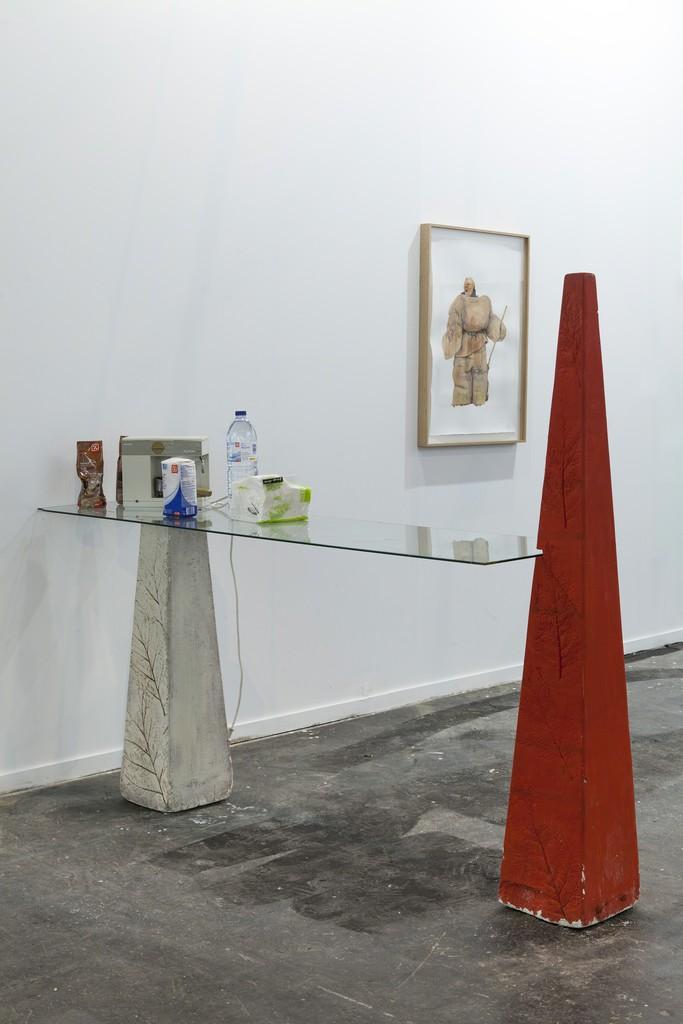 Mauro Cerqueira / Tobias Rehberger. Installation view
