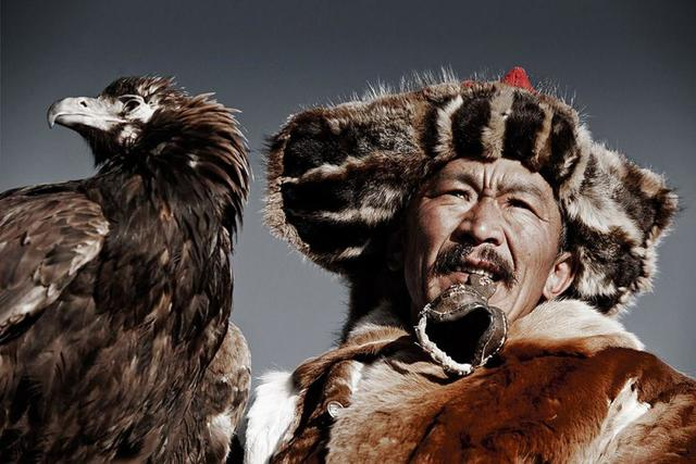 , 'VI 14 Khairatkhan, the eagle hunter, Mongolie,,' 2012, AbrahamArt