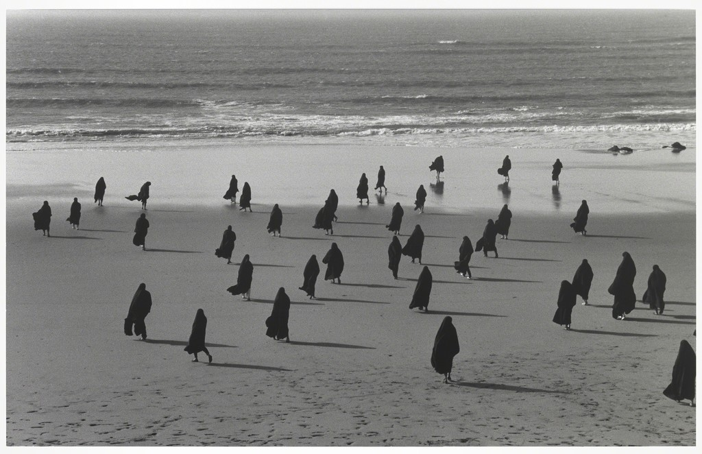 Shirin Neshat, Untitled, from the series Rapture, 1999. Gelatin silver print. Yale University Art Gallery, Gift of Susan and Arthur Fleischer, Jr., B.A. 1953, LL.B. 1958. © Shirin Neshat. Courtesy Gladstone Gallery, New York and Brussels