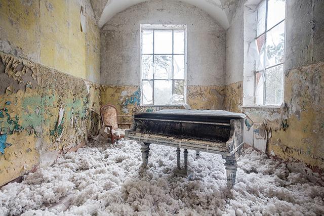 , 'Requiem pour pianos 4,' 2015, Light Space & Time