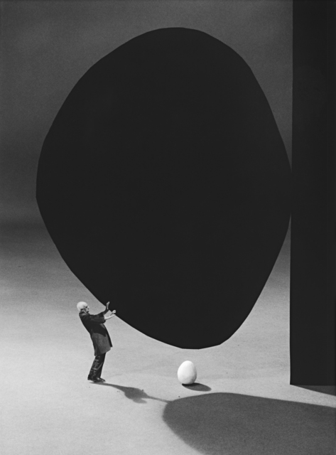 Gilbert Garcin, '300 – La précarité (d'après Robert Motherwell) Precarity (after Robert Motherwell)', 2005, Photography, Gelatin silver print, Lisa Sette Gallery