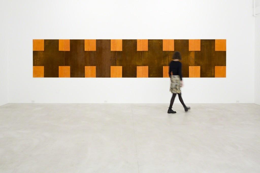 Stephen Bambury, Here, 2014. Installation view, Trish Clark Gallery, 2014.