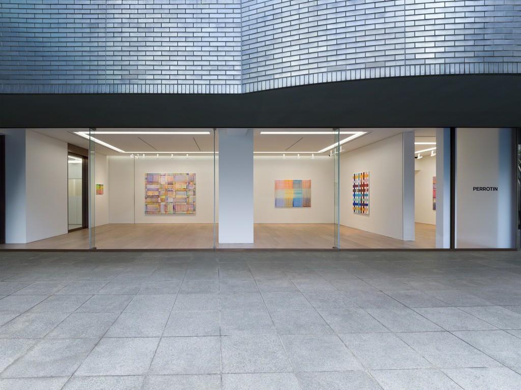Exhibition view of Bernard Frize solo show at Perrotin Tokyo. Photo Kei Okano. Courtesy Perrotin.