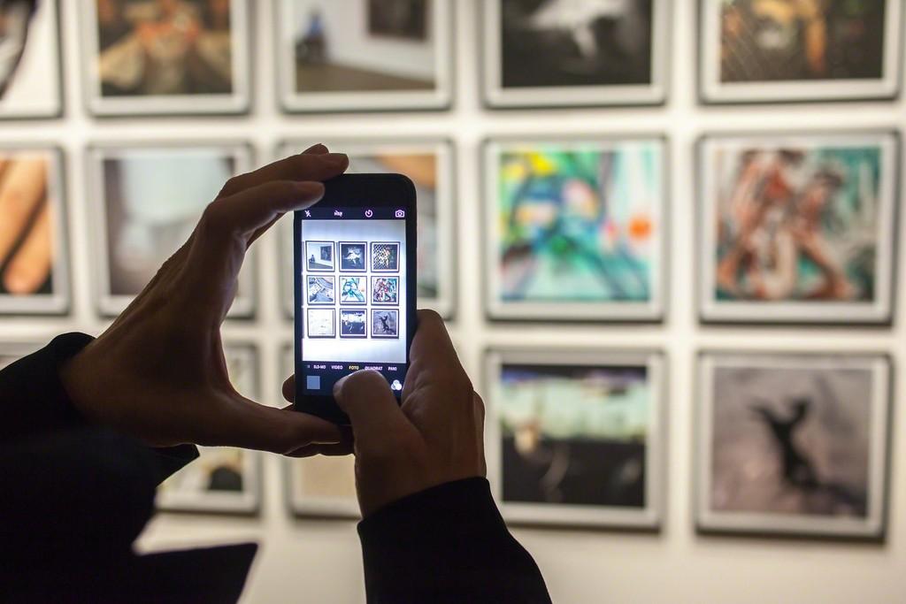 Instagram Now! Sketchbooks, Portfolios, Diaries, 2016, Photo: Ouriel Morgensztern, © Belvedere, Vienna