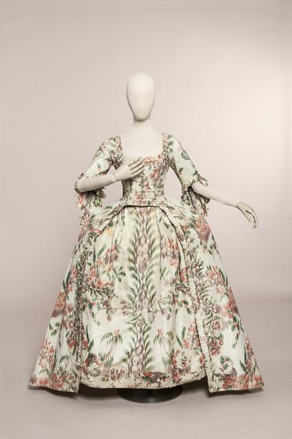 , 'French style gown,' ca. 1760, Les Arts Décoratifs