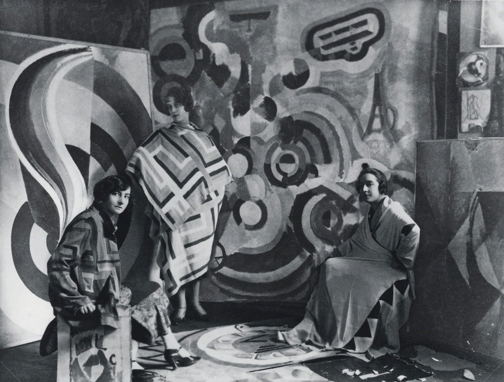 Sonia Delaunay and two friends in Robert Delaunay's studio, rue des Grands-Augustins, Paris 1924. 