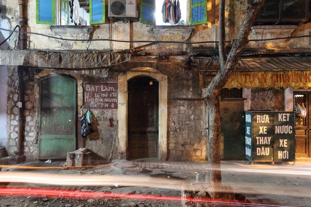 , 'Hanoi 18h6h 57 Tran Quang Khai Street,' 2014, Art Vietnam Gallery
