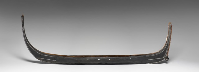 , 'Modèle de pirogue de guerre (Model of war canoe),' mid-19th century, Musée du quai Branly