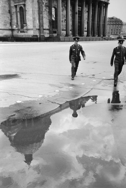 , 'SOLDIERS IN FRONT OF SAINT ISAACS CATHEDRAL, LENINGRAD, RUSSIA, 1973,' 1973, Huxley-Parlour
