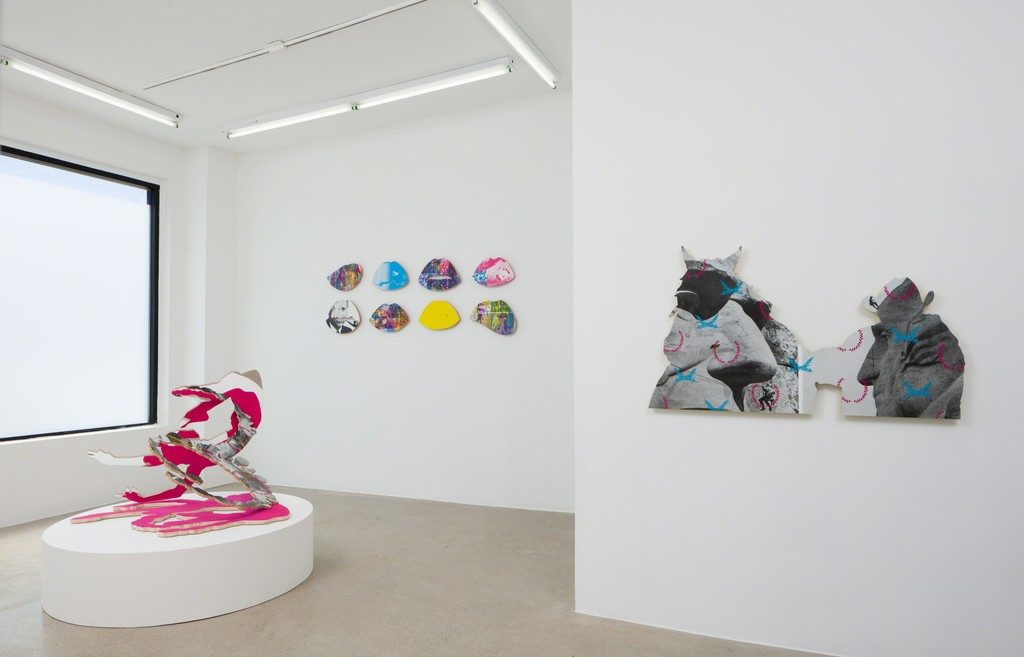 Julie Henson, Total Knockout , 2017, Installation view