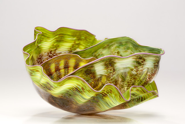 Dale Chihuly, 'Chartreuse Macchia Set with Lavender Lip Wraps', 1988, Schantz Galleries