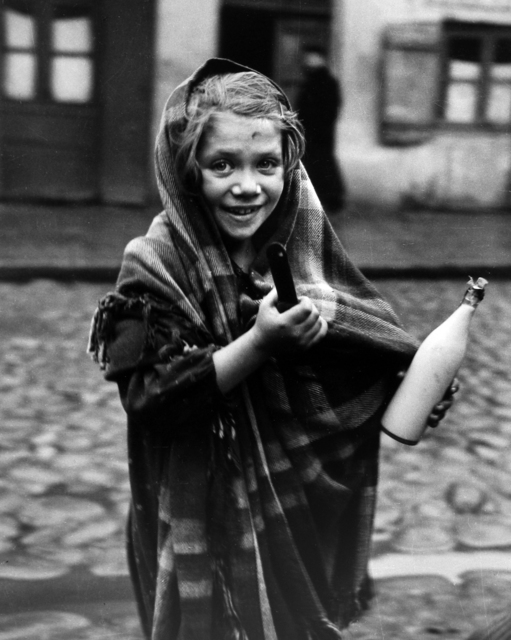 Roman Vishniac, 'Selma was sent to the store for a pot of soup and bottle of milk, Lodz', 1938, Howard Greenberg Gallery