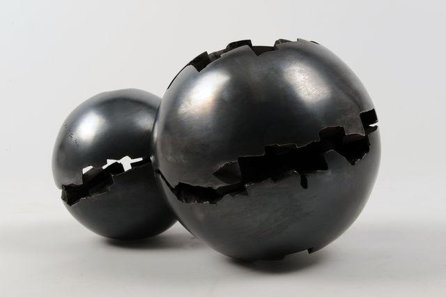 , 'Two Balls,' 1996-2000, LGM Arte Internacional