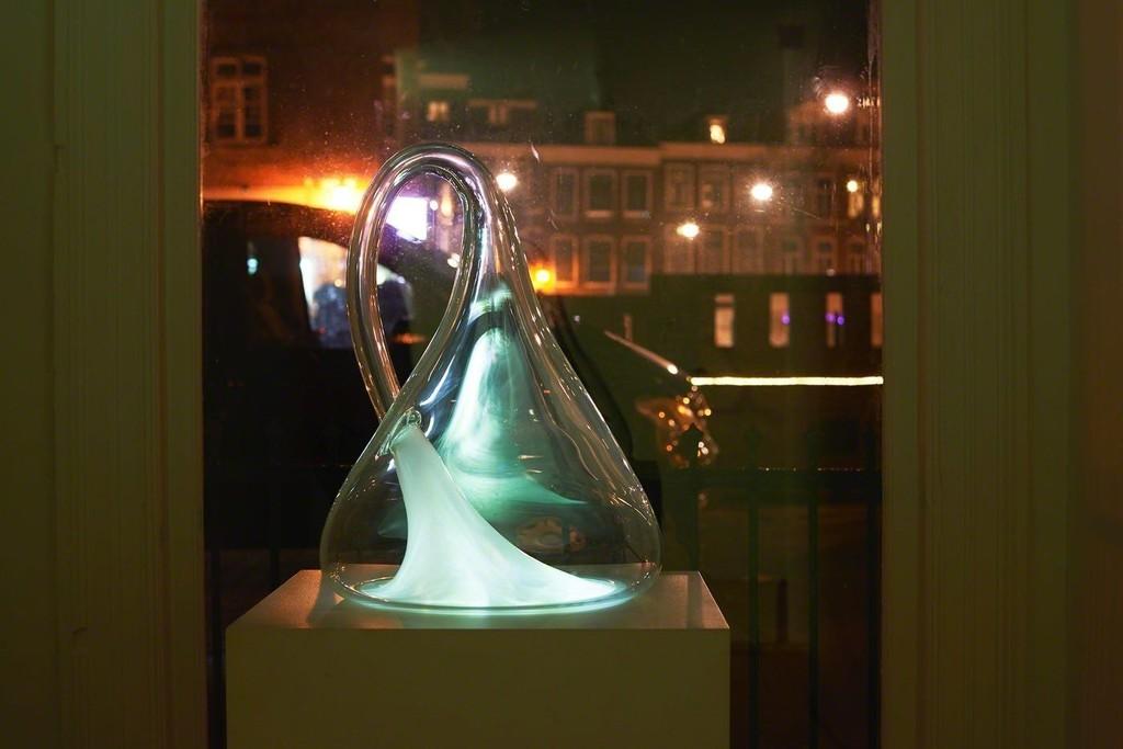 Gary Hill, Klein Bottle, Blown glass, micro video projector, 2014
