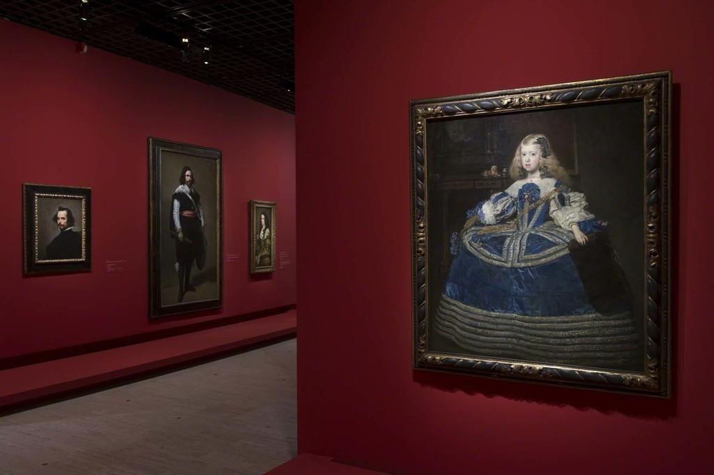 Vue de l'exposition Velázquez 7, scénographie Atelier Maciej Fiszer, © Didier Plowy pour la Rmn-Grand Palais, Paris 2015